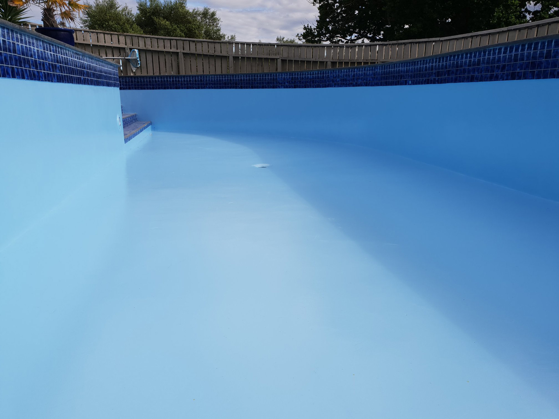 swimming pool re paint
